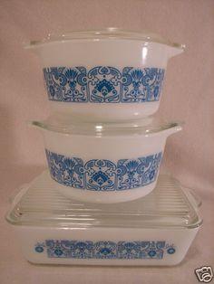 Pyrex Blue Horizon 6 PC Casseroles Refirgerator Dish w Lids Vintage Bowls, Vintage Kitchenware, Vintage Dishes, Vintage Pyrex, Vintage Glassware, Rare Pyrex, Pyrex Bowls, Mixing Bowls, Glass Kitchen