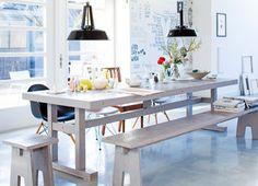 mesa com banco e cadeiras!