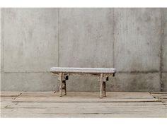Entry bench
