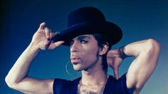Long time friend and personal photographer to Prince, Stephen Parke, shares some never before seen shots of Prince...