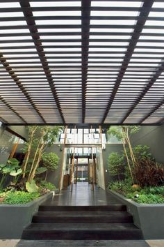 We seem to be having a 'large homes' day! I'm going to blame it on Easter chocolate :)  Jackson Burrows Clements is definitely in our Top Ten list of great architects. The home we are featuring here is in Bangkok, a city of nine million and home of the worst traffic jams known to humankind. Tell us what you think after viewing the album on our site at  http://theownerbuildernetwork.com.au/large-homes/bangkok-house-jcb/