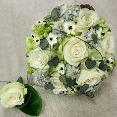 Onnea hääparille  Morsiuskimpussa: #ruusu #neilikka #afrikantähdikki #herttalyhty #alppitähti  Congeatulations to #newkyweds ❤ #bridalbouquet #rose#carnation #ornithogalum #edelweiss #ceropegiawoodii  #kukat #blommor #flowers #flowerslovers #flowersofinstagram #ig_flowers #morsiuskimppu #hääkimppu #viehe #wedding #kukkakauppa #flowershop #kotka #finland