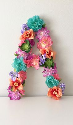 Custom Flower Letter Floral Letter Nursery Wall Art Rainbow Nursery Birthday Party Decor Hawaiian Theme Decor Baby Letter - Hawaiin Baby Names - Ideas of Hawaiin Baby Names - Flor personalizada carta carta Floral arte de por BegoniaRoseCo Hawaiian Birthday, Luau Birthday, 1st Birthday Parties, Girl Birthday, Hawaiian Parties, Moana Birthday Party Ideas, Birthday Ideas, Birthday Gifts, Flower Birthday