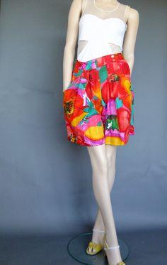 flowered shorts berumda shorts silk shorts vintage by vintage2049
