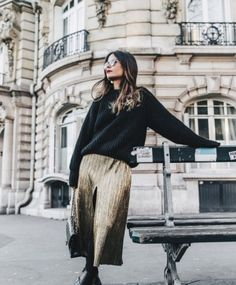 metallic_dress-gold_skirt-pleated-celine_boots-outfit-paris-pfw-street_style-16-683x1024