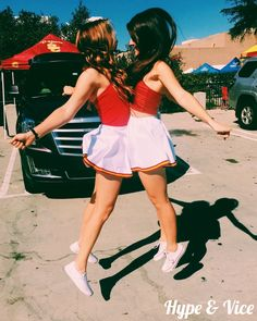 College life tailgate college tailgate college gamebae school spirit sororTailga… – Creative Dress Of College Game Day College Football Games, College Game Days, College Life, Cheer Picture Poses, Cheer Poses, Cheer Pictures, Friend Pictures, Friend Pics, Nfl Party