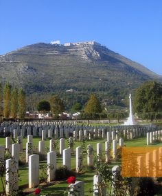 Monte Cassino Commonwealth Cemetery with the abbey on the hilltop Battle Of Monte Cassino, Tivoli Italy, Places Of Interest, Sorrento, Amalfi Coast, Military History, Italy Travel, Wonderful Places, Great Britain