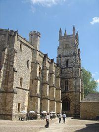 ウィンチェスター・カレッジ - Wikipedia