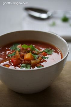 Minestronesuppe (lavFODMAP) Fodmap Recipes, Low Fodmap, Thai Red Curry, Soup Recipes, Chili, Food And Drink, Healthy, Ethnic Recipes, Chile