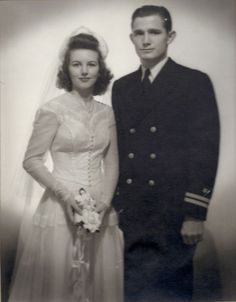 vintage everyday: Wartime Wedding – 41 Emotional Vintage Pictures Show the Marriages of Soldiers in the Past