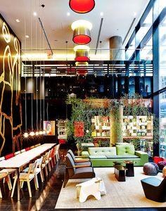 El lobby del hotel citizenM. | Galería de fotos 6 de 7 | AD MX