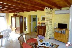 Envie d'un achat immobilier pour les vacances dans l'Aude ? Cette maison attend votre visite à Port-Leucate, entre particuliers. http://www.partenaire-europeen.fr/Actualites/Achat-Vente-entre-particuliers/Immobilier-maisons-a-decouvrir/Maisons-entre-particuliers-en-Languedoc-Roussillon/Maison-F3-residence-prive-climatisation-jardinet-terrasse-ID3034987-20160729 #Maison