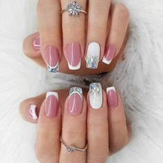 Want some ideas for wedding nail polish designs? This article is a collection of our favorite nail polish designs for your special day. Natural Nail Designs, Short Nail Designs, Bridal Nails, Wedding Nails, Perfect Nails, Gorgeous Nails, Nail Polish Designs, Nail Art Designs, Cute Nails