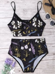 Shop trendy fashion swimwear online, you can get sexy bikinis, swimsuits & bathing suits for women on ZAFUL. Cheap Swimsuits, Halter Swimsuits, Floral Bikini Set, Cute Bathing Suits, Summer Suits, Indie Fashion, Women's Fashion, Lingerie, Swimwear Fashion