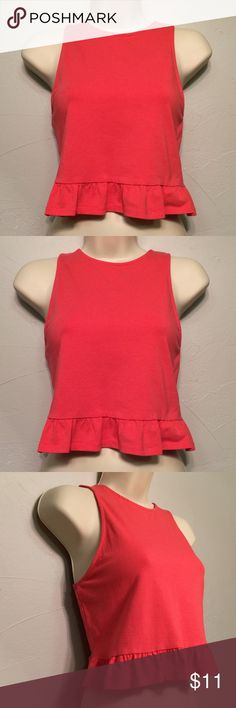 Divided H&M Coral Sleeveless Crop Top w Frills Divided H&M Coral Sleeveless Crop Top w Frills Size: M Color: Closer to a Coral than a red or direct pink Good Preloved Condition  95% Cotton  Reach out with any questions or offers, happy poshing! 🍦🍦🍦🍦🍦 Divided Tops Crop Tops