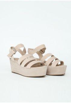 Missguided - Rozyta Cream Suede Flatform Sandals