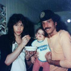 Steven Tyler feeding his daughter Mia