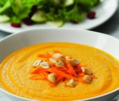 Ingredients  4 cups low-sodium chicken broth 1 medium onion 2 cloves garlic One 1-inch piece fresh ginger 1 ½ pounds carrots (5 large) 1 tablespoon olive oil ¼ teaspoon ground allspice ½ cup unsalted roasted cashews 2 teaspoons honey ¾ teaspoon salt ¼ teaspoon ground white pepper Directions Bring the chicken broth to a …