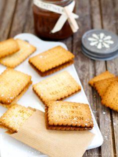 Butterkekse mit hausgemachter Nuss-Nougat-Crème