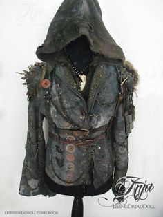 Lately, the zombie apocalypse is a decided and welcomed break from the insane world that we are currently living in Post Apocalyptic Clothing, Post Apocalyptic Costume, Post Apocalyptic Fashion, Apocalypse Costume, Apocalypse Fashion, Zombie Apocalypse, Cyberpunk, Steam Punk, Costume Steampunk
