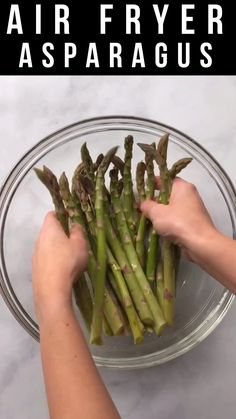 This easy Air Fryer Asparagus is simply seasoned with garlic, salt, and pepper, and comes out perfectly cooked and crispy in minutes. Sauteed Asparagus Recipe, Air Fryer Recipes Asparagus, Grilled Asparagus Recipes, Oven Roasted Asparagus, How To Cook Asparagus, Air Fryer Recipes Easy, Veggie Recipes, Healthy Recipes, Parmesan Asparagus