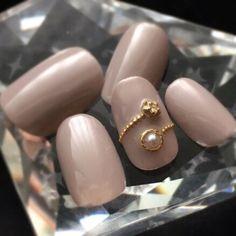 シンプルネイル グレージュネイル リングネイル 大人可愛いネイル in 2020 Nail Art Designs Videos, Gel Nail Designs, Gel Nails, Give It To Me, Pearl Earrings, Pearls, Diamond, Jewelry, Fingernail Designs