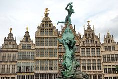 """Ohne (allzu) viele Worte: Antwerpen - """"Fee ist mein Name"""""""