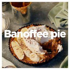 """449 gilla-markeringar, 9 kommentarer - KIT Mat (@kit_mat) på Instagram: """"Ljuvlig kolasås, bananer, krispig botten och vispad grädde. Dessutom är banoffee pie extremt…"""" Banoffee Pie"""