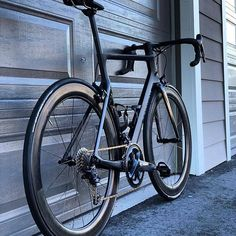 Road Cycling, Cycling Bikes, Canyon Bicycle, Canyon Aeroad, Urban Bike, Bike Rack, Cool Bicycles, Road Bikes, Bike Ideas