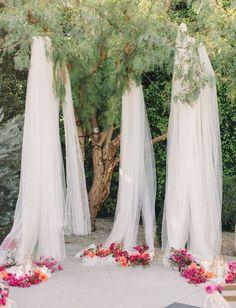 57c4880c8c741d0544381d31eb00ca1d--outdoor-wedding-backdrops-outdoor-weddings.jpg (736×962)
