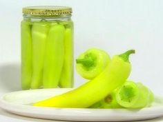 Encurtidos: Ajíes en vinagre - Pickles surtidos - Cebollas en vinagre - Sauerkraut