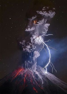 """Mexican photographer Sergio Tapio is on of the winners of the World Press photo contest with this amazing image of the Colima Volcano in Mexico called """" The Power of Nature""""     Volcan Eruption, Volcano Photos, Lightning Photos, World Press Photo, Erupting Volcano, Dame Nature, National Geographic Travel, Lightning Strikes, Lightning Bolt"""