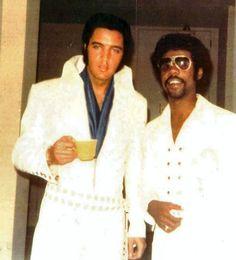 ELVIS PRESLEY PHOTO´S BLOG 3- 1970-1977: Backstage in Las Vegas sometime in August 1970