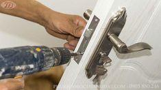 Bao lâu nên thay thân - ruột khóa cửa?