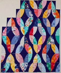 Daydream Twist Quilt - Cassandra Madge Quilting Projects, Quilting Designs, Sewing Projects, Old Quilts, Scrappy Quilts, Circle Quilts, Quilt Blocks, Pattern Blocks, Quilt Patterns