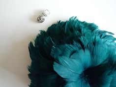GOOSE COQUILLE FEATHERS / Oasis  Teal Green  / 438. $5.50, via Etsy.