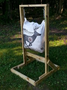 Tips for Archery Fishing Crossbow Targets, Crossbow Arrows, Archery Targets, Coyote Hunting, Archery Hunting, Crossbow Hunting, Archery Shop, Archery Gear, Archery Bows