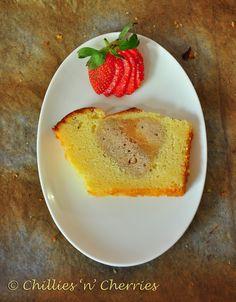 #hiddenheartcake #vanillapoundcake #freshstrawberrycake #foodphoto #chillesncherries