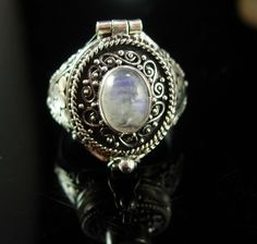 Moonstone POISON Ring secret compartment SIZE 7 vintage sterling mystical etrusc Cleopatra Beauty Secrets, Poison Ring, Secret Compartment, Engraving Services, Moonstone Jewelry, Body Mods, Selling Jewelry, Unique Rings, Etsy Vintage