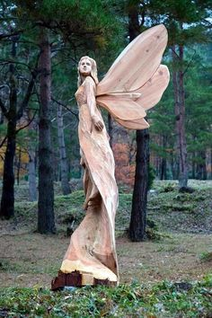 "to have chainsaw carved angel for our entry. ""So"" beautiful, gives a sense of peace.Love to have chainsaw carved angel for our entry. ""So"" beautiful, gives a sense of peace. Driftwood Sculpture, Sculpture Art, Sculptures, Tree Carving, Wood Carving Art, Wood Carvings, Chainsaw Carvings, Statue Ange, Art Beauté"