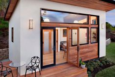 Tiny prefab home makes picture-perfect backyard guesthouse - Curbed