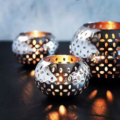 These beautiful Sesame tealight holders, perfect for the indoor and outdoor dining table, make the perfect gift!
