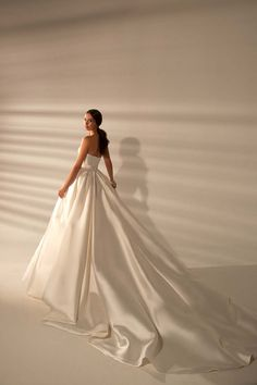Wedding Looks, Wedding Day, Bridal Gowns, Wedding Dresses, Quince Dresses, Evening Outfits, Dream Dress, Bridal Collection, Bridal Style