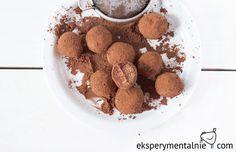 Jeśli nie masz prezentu pod choinkę, a czasu na zakupy też brak to mam dla Ciebie pomysł na słodki prezent na szybko - domowe czekoladki.