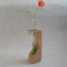 木製 一輪挿し カエデの無垢材と試験管のフラワーベース03