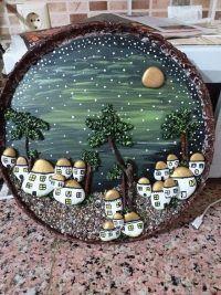 Premeňte kamienky na 170 nádherných dekorácií za pár centov. Tieto ste ešte nevideli - sikovnik.sk Snow Globes, Mirror, Home Decor, Homemade Home Decor, Mirrors, Decoration Home, Vanity, Tile Mirror, Interior Decorating