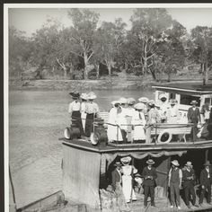 River steamer 'Federal' with passengers. Adelaide Sa, Adelaide South Australia, Australian Continent, Largest Countries, Small Island, Steamer, Tasmania, Continents, Old Photos