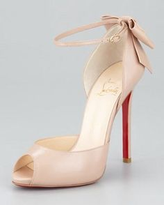 12aeb04f8a CL red bottoms on. Nude PumpsNude ShoesBow ShoesLouboutin PumpsChristian ...