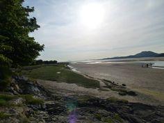 Ynys beach