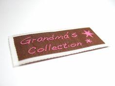 Snygg vävd etikett som finns att köpa på www.labelsandribbon.se